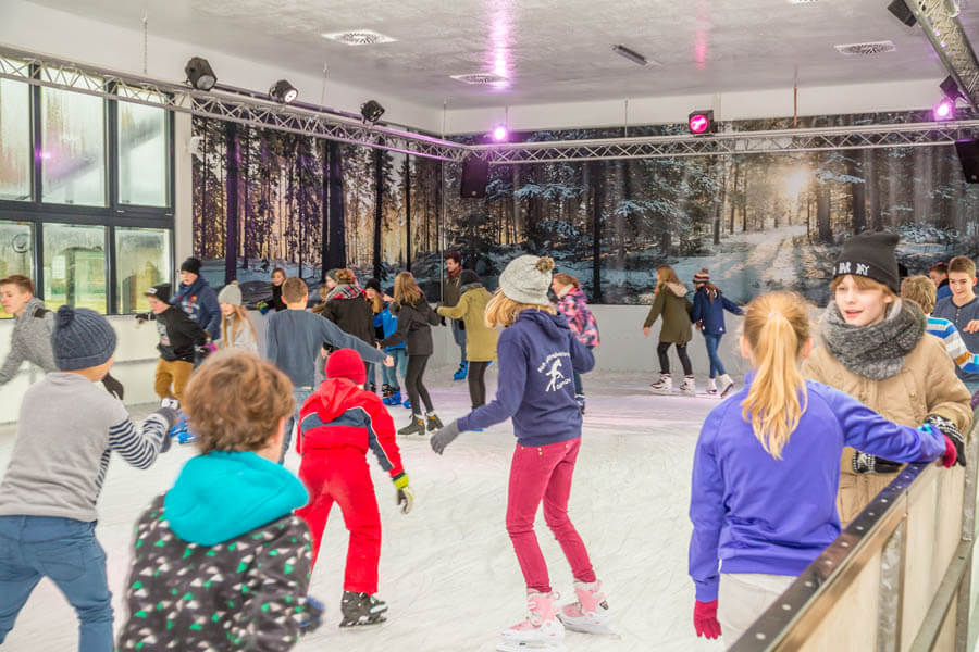 Eisbahn Müggelsee Terren | Eisbahn Berlin Die Eisbahn Fur Jung Und Alt Entspannt Oder Party
