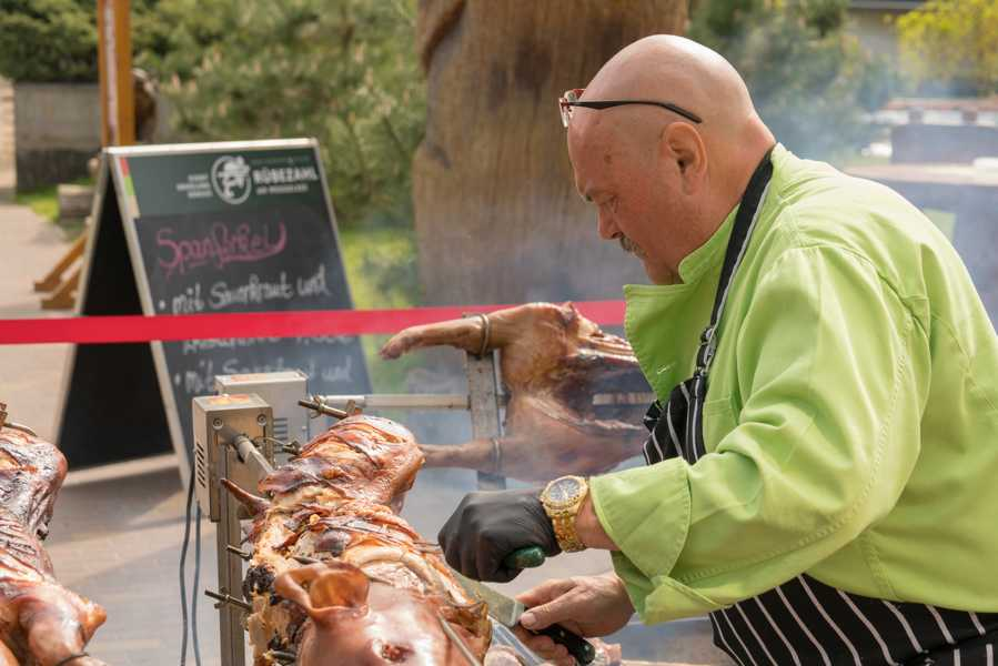 Veranstaltung Pfingsten: Frühschoppen im Biergarten
